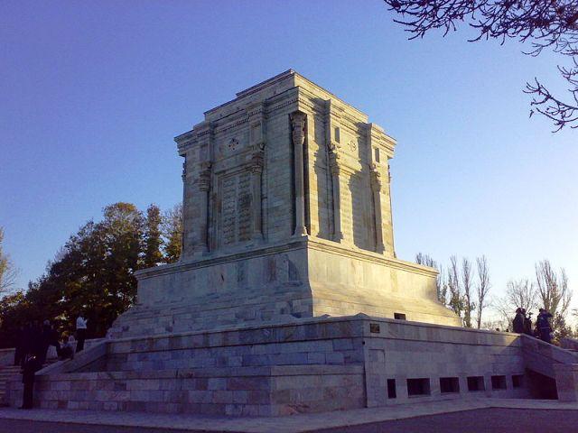 هوشنگ سیحون معمار آرامگاه فردوسی ۱۳۴۷