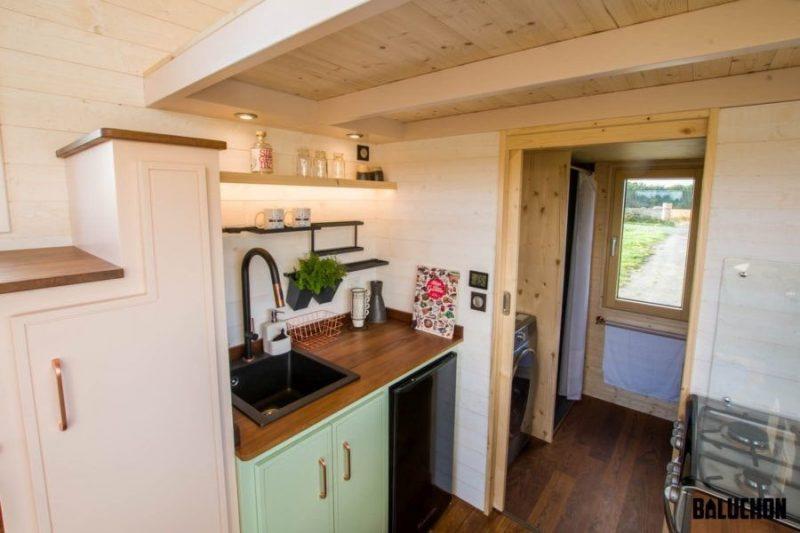 آشپزخانه تریلر چوبی کوچک