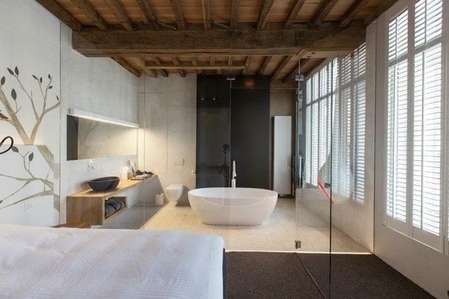 اتاق با دیوار شیشه ای