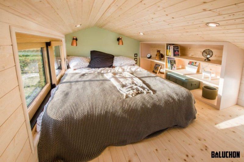 اتاق خواب خانه چوبی کوچک