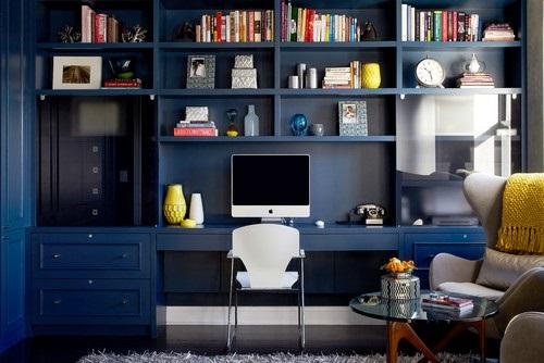 میز تحریر و کتابخانه دیواری چوبی رنگ آبی سرمه ای