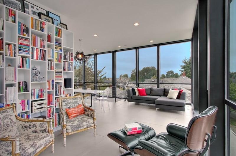 اقامت کرامت و اتاق های نشیمن با پنجره های بلند