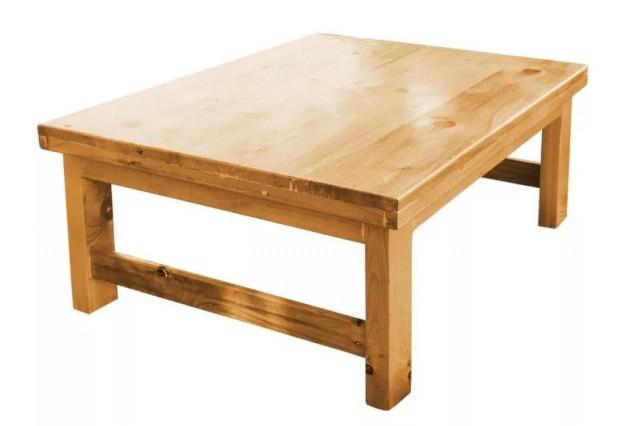 میز با پایه های ساده