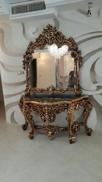 آینه کنسول عروس جنس فایبرگلاس آبکاری طلایی با دستگاه وکیوم با ضمانت کیفیت و رنگ تا سه سال قابل شستشو ابعاد = 160*225