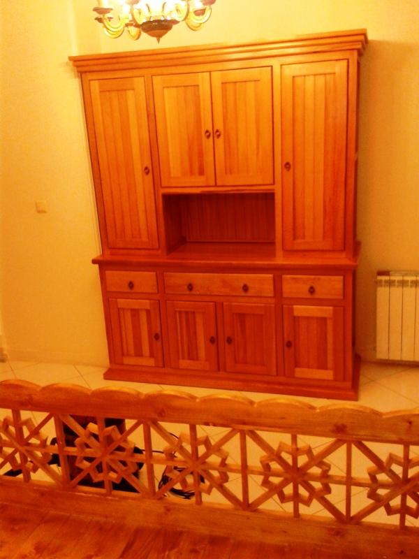 دکوراسیون چوبی منزل ، جناب کشاورزی , بوفه و ویترین ، چهارپایه اوپن , میز کنسول چوبی