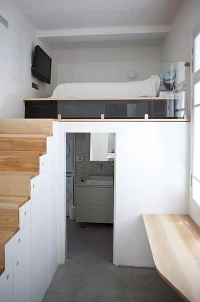 تخت خواب مدرن چوبی و سرویس بهداشتی زیر آن