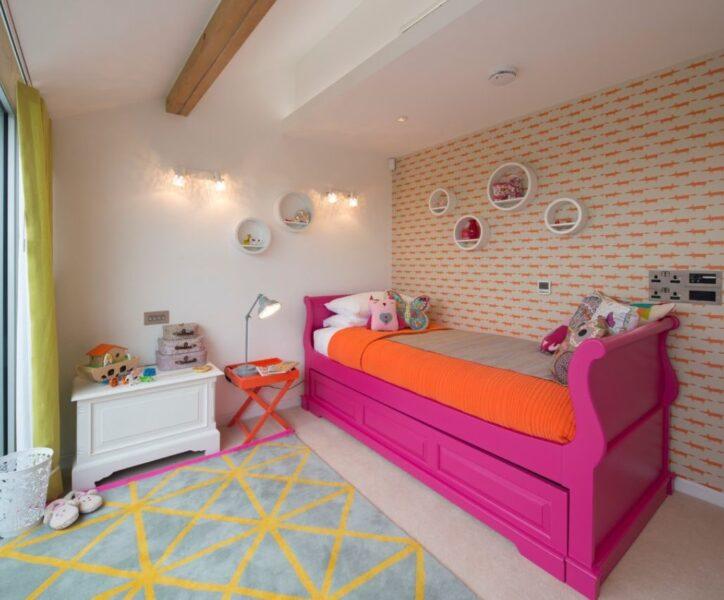 تخت خواب چوبی سورتمه در رنگ های مختلف