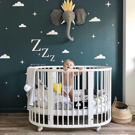 تخت نوزاد گرد