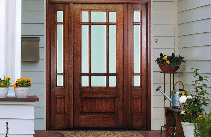 تصویری از چراغ های فرعی درب های چوبی