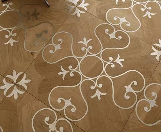 تصویری از کفپوش چوبی با ورق فلز