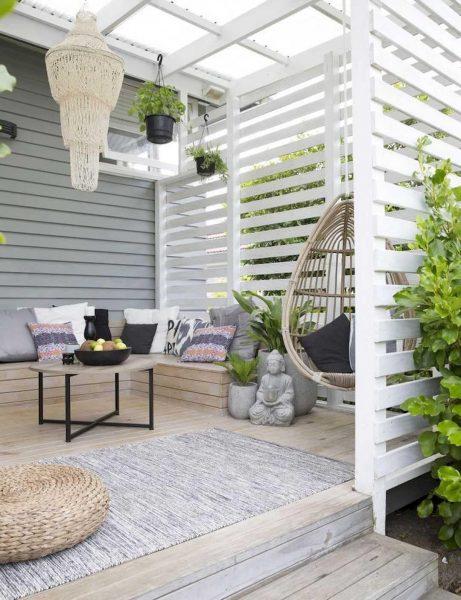 حصار چوبی سفید برای فضای باز