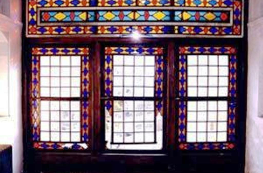 هنر گره چینی و ساخت درب و پنجره اروسی یا ارسی