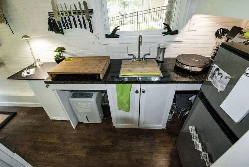 خانه و آشپزخانه کوچک
