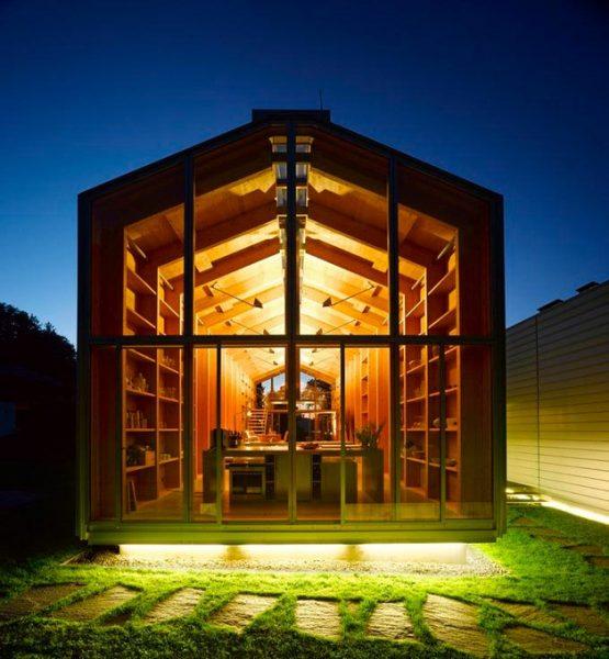 خانه چوبی با معماری زیبا