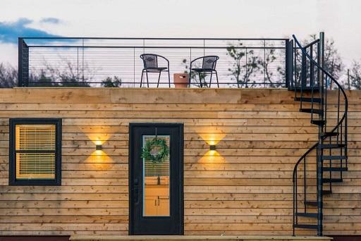 خانه های چوبی کوچک, اجرای نمای چوبی روی کانتینر و کانکس بوسیله چوب کاج