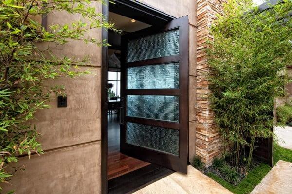 درب با شیشه های هنری