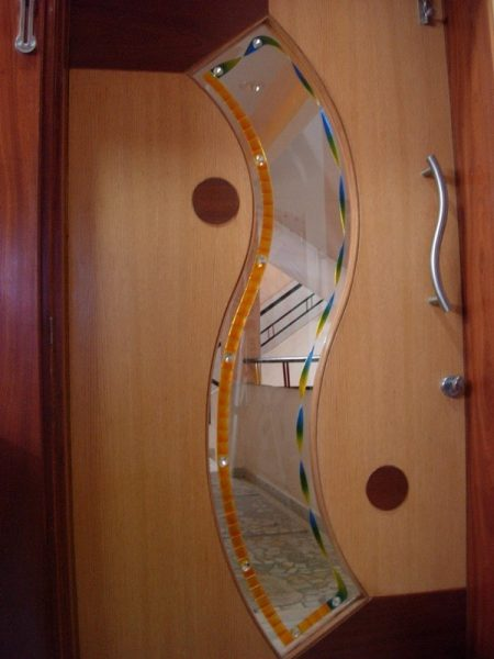 درب با طرح نامتقارن