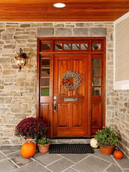 درب بزرگ با چوبی قوی