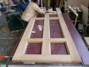طراحی و ساخت درب تمام چوب ساج , درب منبت کاری شده
