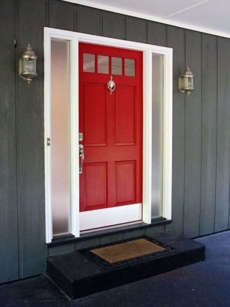 درب قرمز زیبا