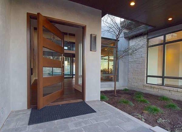 درب ورودی چوبی محوری
