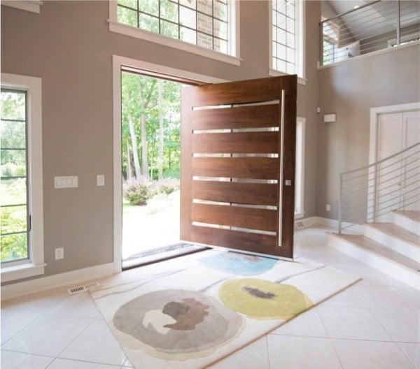 درب چوبی با تخته چوب افقی