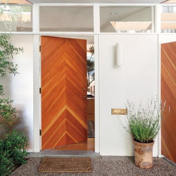 درب چوبی با صفحات حاشیه ای