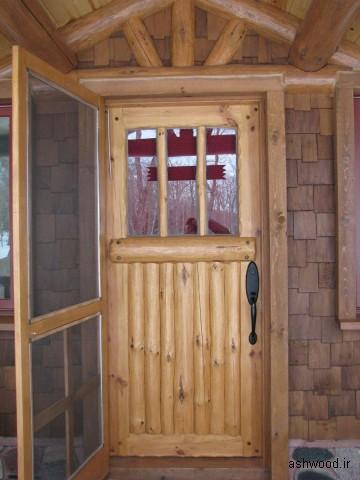 درب ساخته شده از تخته و الوار