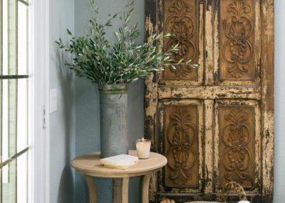 درب های طرح قدیمی سبک روستیک با فرفورژه های زیبا