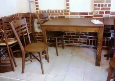 صندلی و میز رستوران سنتی