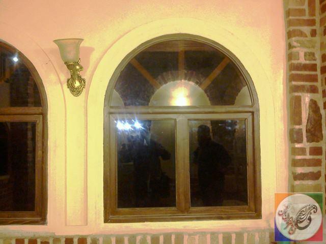 پنجره چوبی سبک قدیمی و سنتی