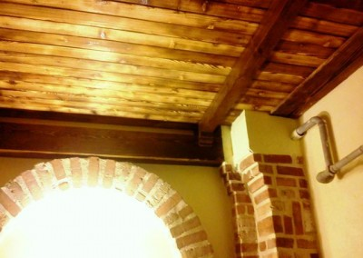 سقف چوبی دکوراسیون رستوران سنتی تیرچه ، تیر چوبی زیر سقف