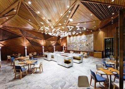 دکوراسیون چوبی رستوران ، طراحی با چوبهایی شبیه به لمبه  (15)