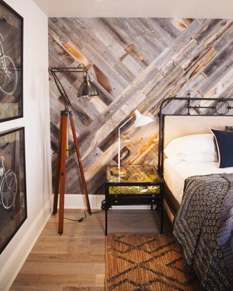 دیوارکوب چوبی اتاق خواب