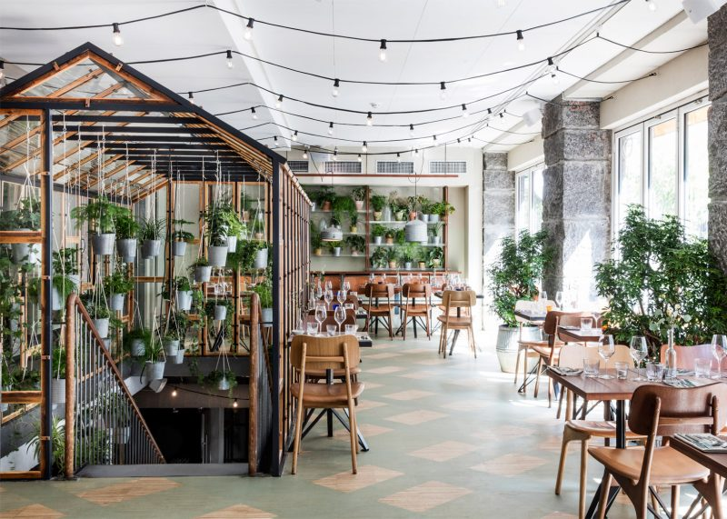 دیزاین و طراحی رستوران باغ