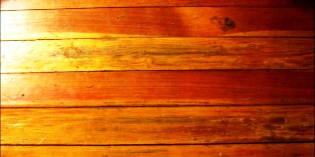 رنگ امیزی و مقاوم سازی چوب