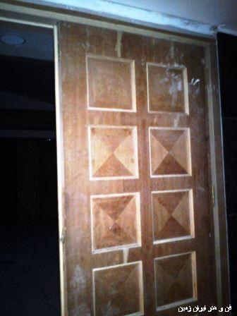 درب چوبی هتل بزرگ شیراز