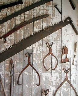 دکوراسیون سبک روستیک و استفاده از لوازم و ابزار قدیمی