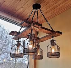 لوستر چوبی سبک روستیک , نمایی از سقف لمبه کوبی شده
