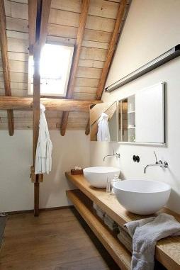 سبک روستیک چیست – نمونه ای از یک نورگیر تعبیه شده در سقف چوبی                                   سبک روستیک چیست – نمونه ای از یک نورگیر تعبیه شده در سقف چوبی                            سبک روستیک چیست – نمونه ای از یک نورگیر تعبیه شده در سقف چوبی
