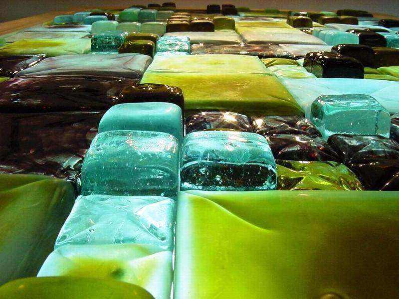سرامیک های شیشه ای , تایل های شفاف و مات شیشه و سرامیک