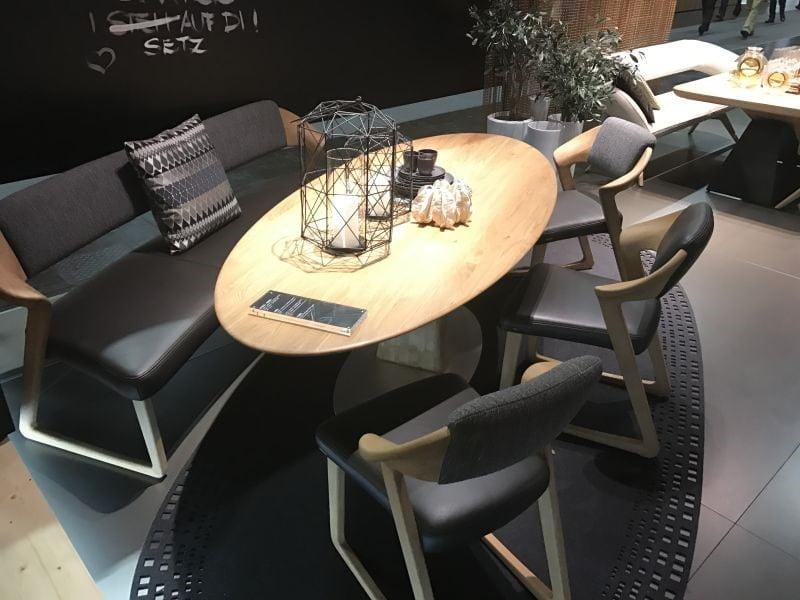 صندلی برای میز ناهار خوری چوبی بیضی شکل