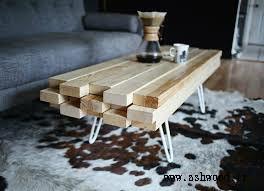 میز چوبی ساخته شده از تخته