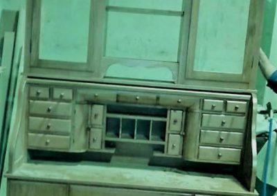 کتابخانه سبک کلاسیک ایتالیایی , میز تحریر رول تاپ با ویترین بالا