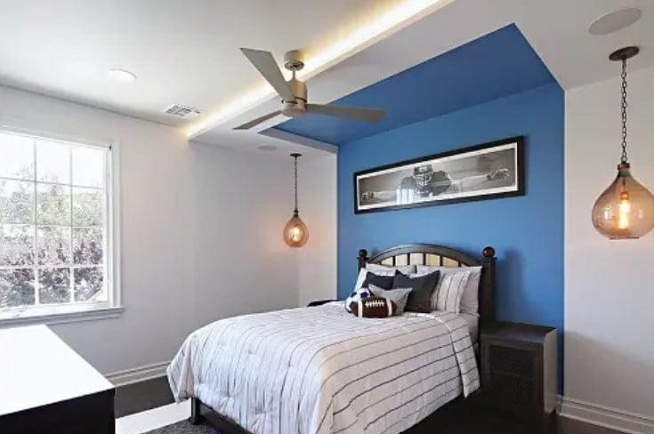 طراحی دیوار اتاق خواب سفید