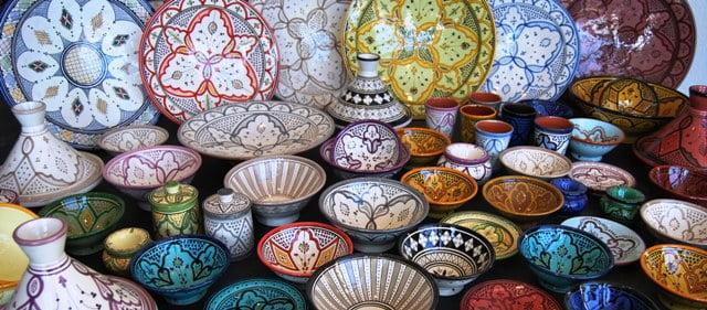 ظروف سفالی طرح دار برای اتاق سنتی
