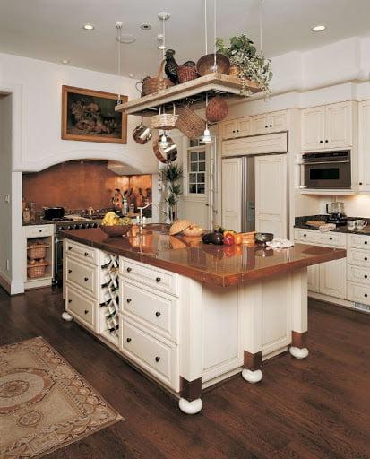 ظروف مسی برای تزئین آشپزخانه