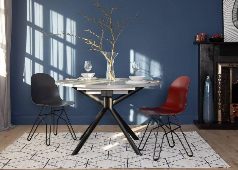 فضای اشغال کننده میز ناهار خوری