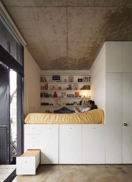 قفسه و کابینت ذخیره سازی در تخت خواب