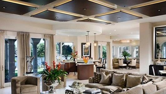 سقف چوبی و استفاده از نورپردازی مناسب و ماهرانه